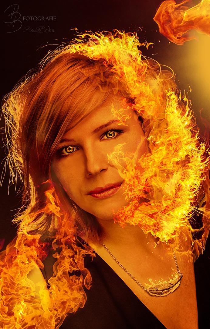 35 Die Flammenfrau