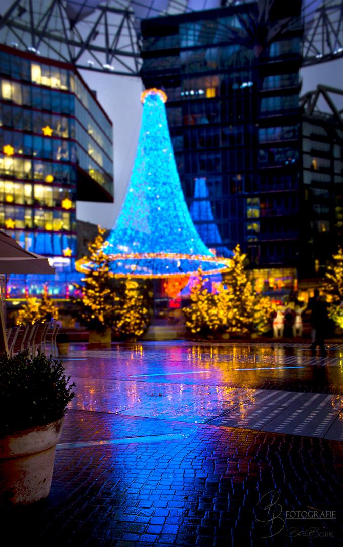 12 Weihnachtslichter im Sony Center Berlin