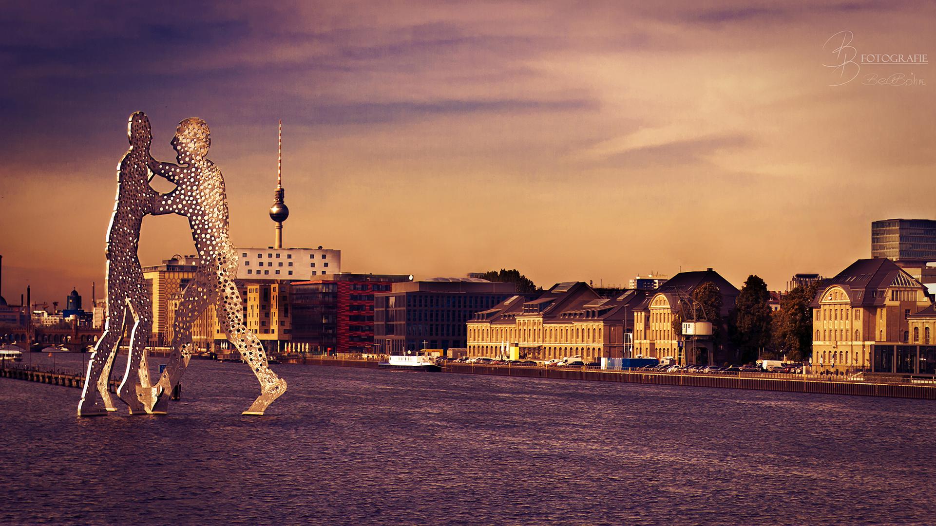 13 Molekülmänner und Osthafen Berlin