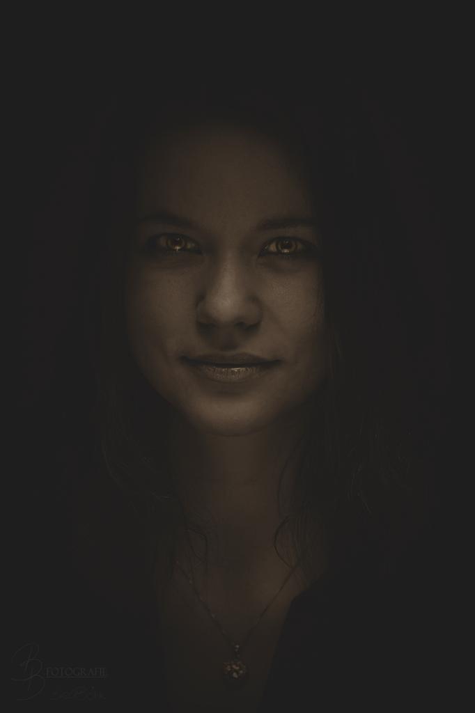 05 Charakterportrait Jana Zemke Bronze