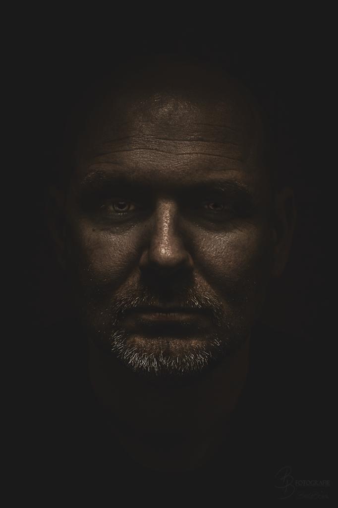 07 Charakterportrait Gregor Bronze