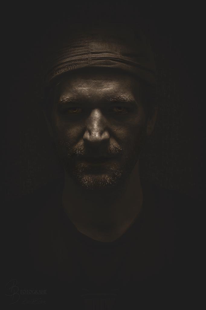 08 Charakterportrait Oliver Reiprich Bronze