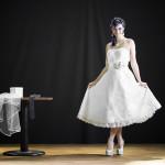 """Model Jayda Cortez trägt Schmuckstücke aus der Brautschmuckkollektion von JDUnikat Schmuckdesignerin Jana Drange, Brautschmuck handmade aus Berlin, bei einem Shooting für Brautmoden der Kollektion """"White Bridal Rocks"""" von Designerin Luciana Adulari aus Berlin"""