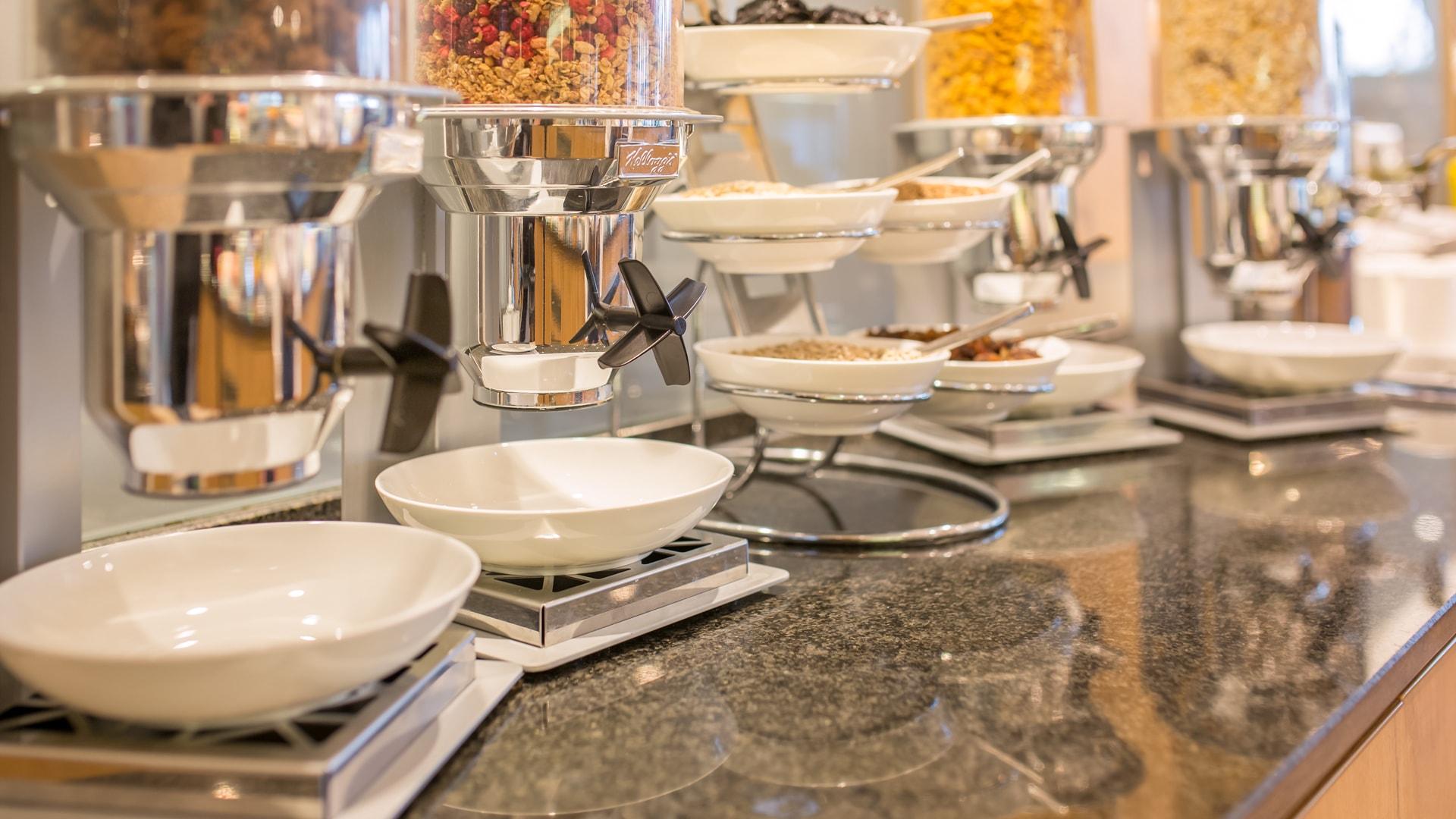 18 Michels_Hotels_Thalassohotel_Nordseehaus_Restaurant_Kurgarten_Fruehstueck_Cerealien
