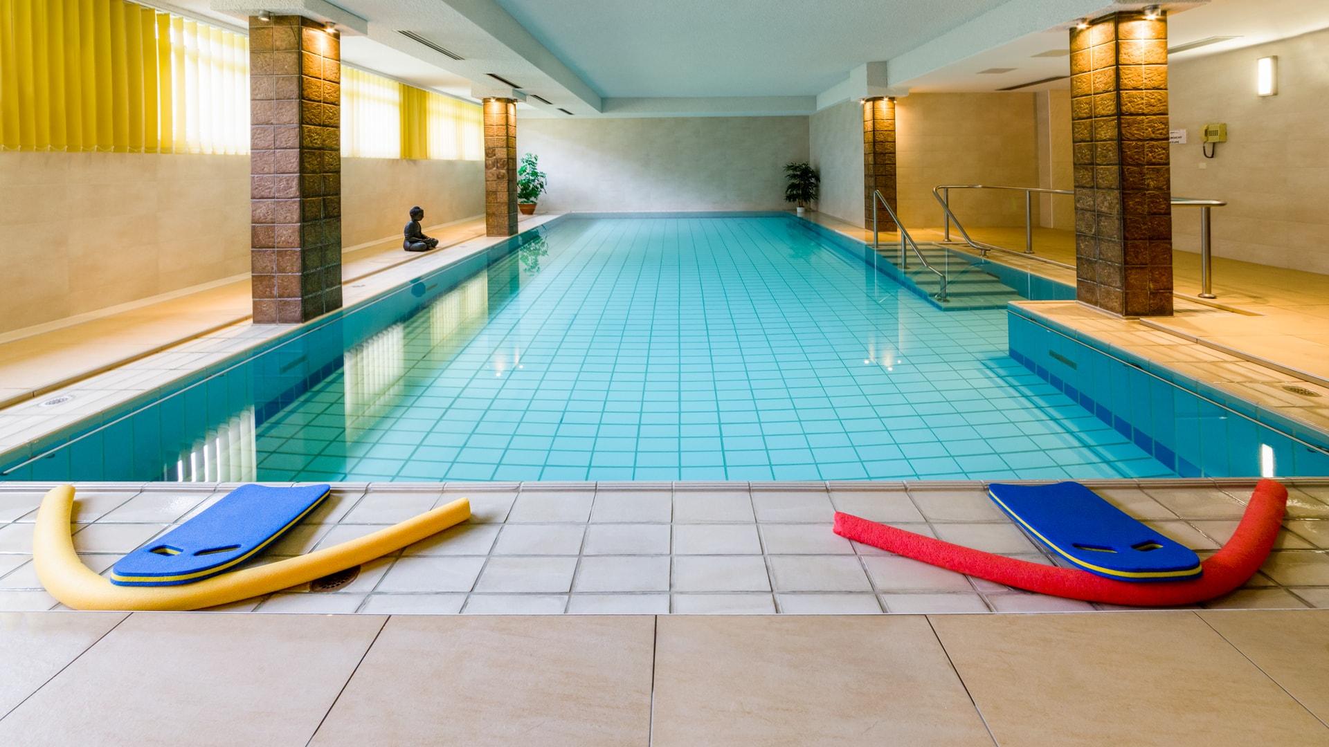 22 Michels_Hotels_Hotel_Hanseatic_Wellnessbereich_Pool