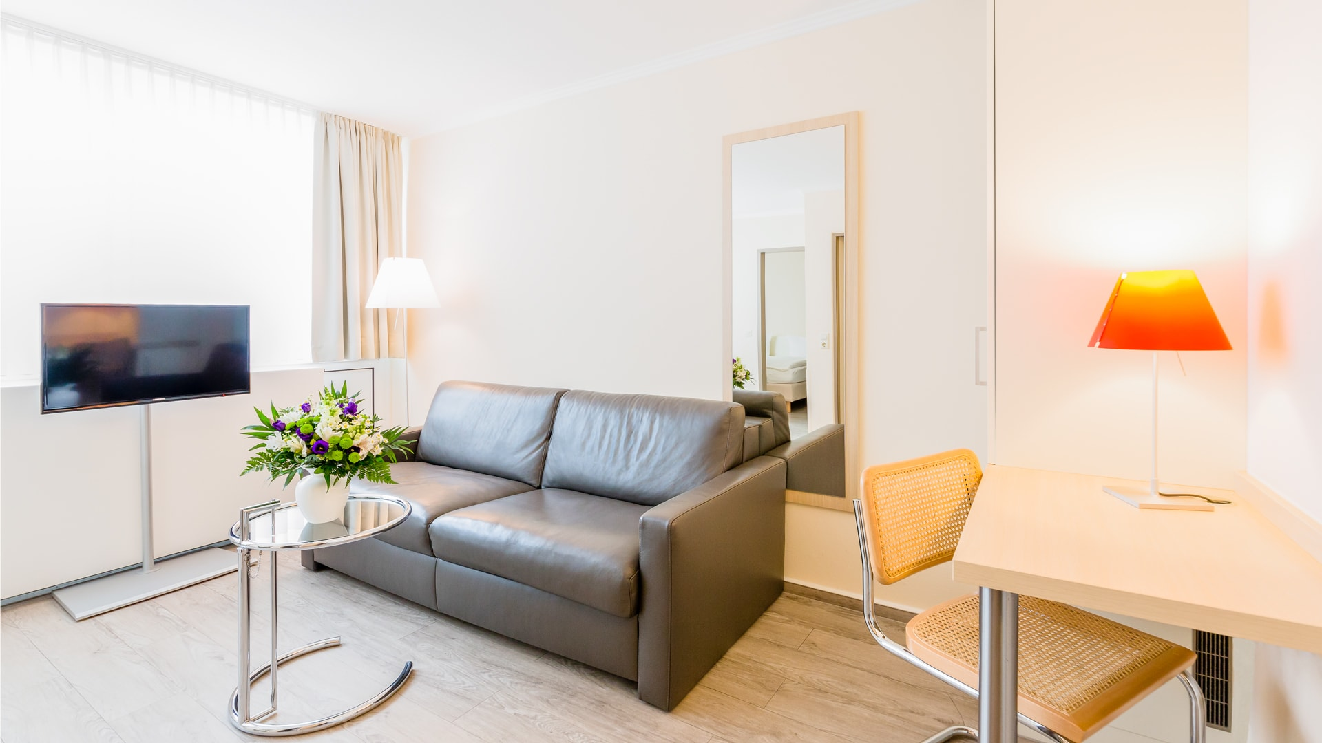 24 Michels_Hotels_Thalassohotel_Nordseehaus_Doppelzimmer_Kajuete_Wohnbereich