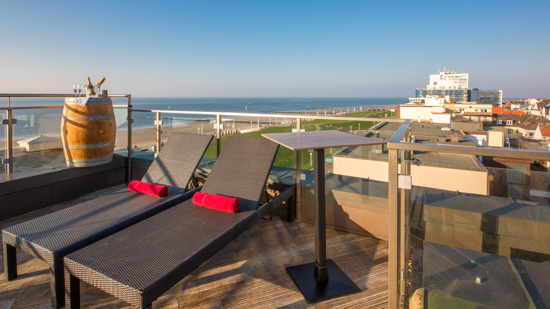 28 Michels_Hotels_Strandhotel_Germania_Dachterasse_direkt_an_der_Nordsee