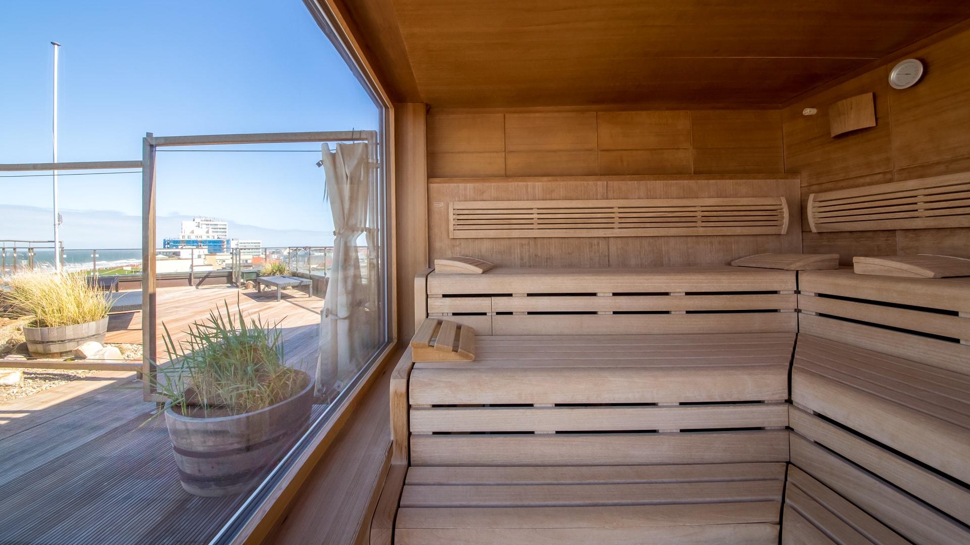 3 Michels_Hotels_Strandhotel_Germania_Sauna_auf_der_Dachterasse_direkt_an_der_Nordsee