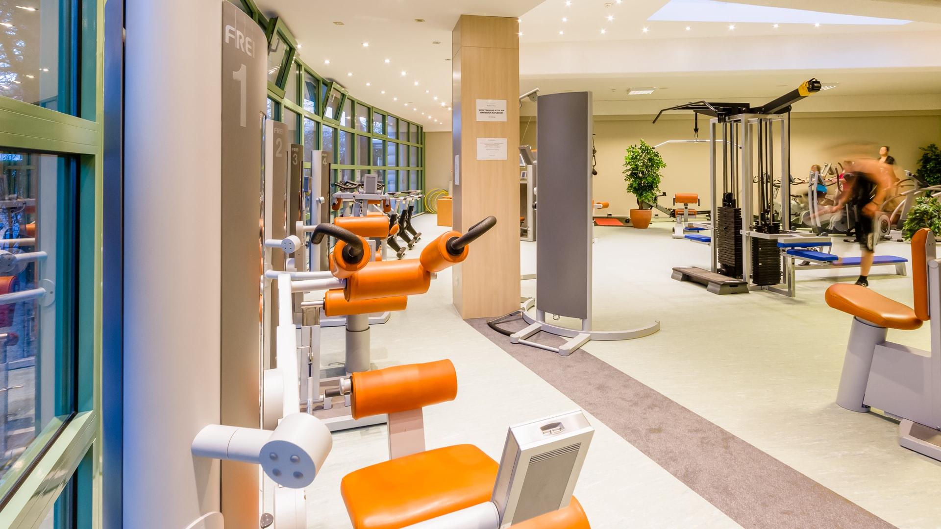 33 Michels_Hotels_Thalassohotel_Nordseehaus_Wellnessbereich_Fitnessstudio
