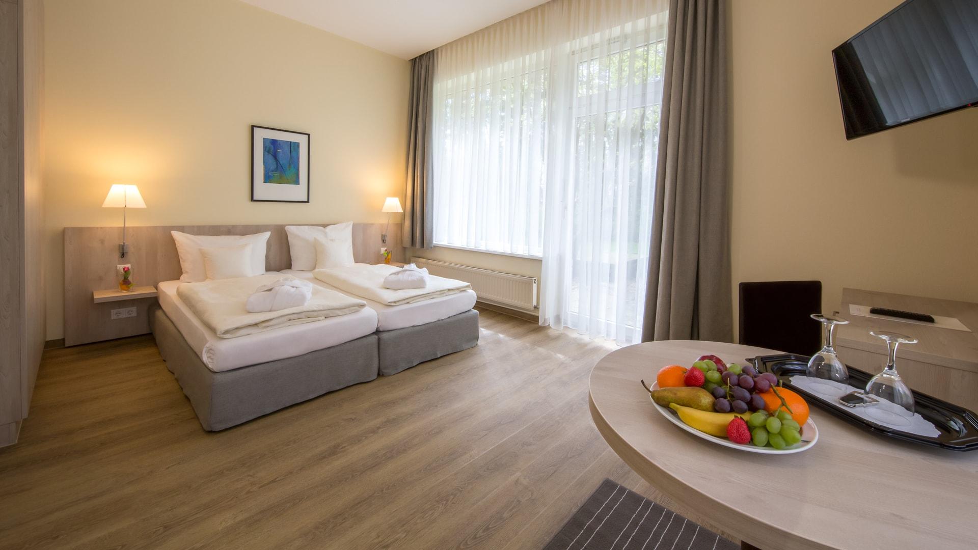 35 Michels_Hotels_Waldresidenz_Bernau_Ferienwohnung_H504_Doppelbett