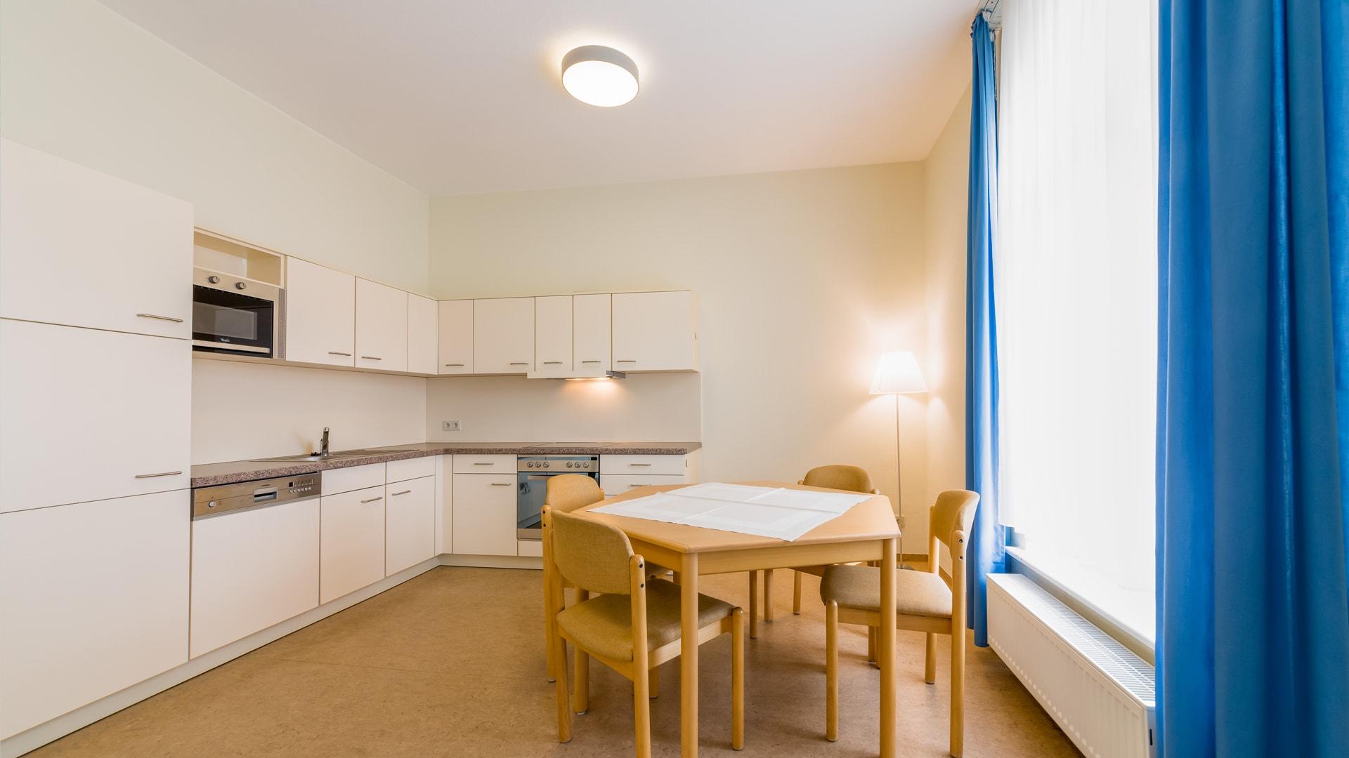36 Michels_Hotels_Haus_Wilhelm_Augusta_5Raum_Ferienwohnung_Kueche